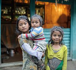THEMENBILD - Trekkingtour in Nepal um die Annapurna Gebirgskette im Himalaya Gebirge. Das Bild wurde im Zuge einer 210 Kilometer langen Wanderung im Annapurna Gebiet zwischen 01. September 2012 und 15. September 2012 aufgenommen. im Bild nepalesische Kinder in der Ortschaft Tal im Bezirk Manang // THEME IMAGE FEATURE - Trekking in Nepal around Annapurna massif at himalaya mountain range. The image was taken between september 1. 2012 and september 15. 2012. Picture shows nepalese Children in the village of Tal in manang district, NEP, EXPA Pictures © 2012, PhotoCredit: EXPA/ M. Gruber