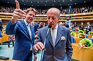 DEN HAAG -   Theo Hiddema (FvD) en Martin bosma pvv  legt de eed af tijdens de installatie van de nieuwe Kamerleden na de Tweede Kamerverkiezingen.  ROBIN UTRECHT<br /> democratie formatie holland installatie kabinetsformatie kamerleden kiezen nieuwe partijpolitiek politicus politiek tk2017 van