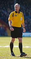 Photo: Daniel Hambury.<br />Crystal Palace v Norwich City. Coca Cola Championship. 25/02/2006.<br />Referee Peter Walton.