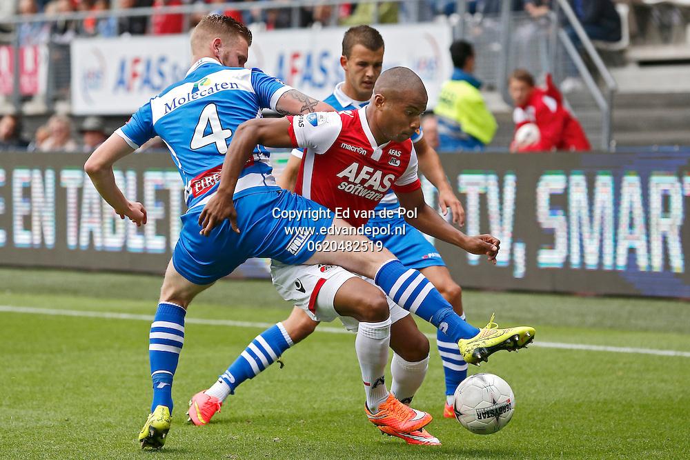 ALKMAAR - 21-09-2014 - AZ - PEC Zwolle, AFAS Stadion, PEC Zwolle speler Maikel van der Werff (l), AZ speler Mikhail Rosheuvel (r).