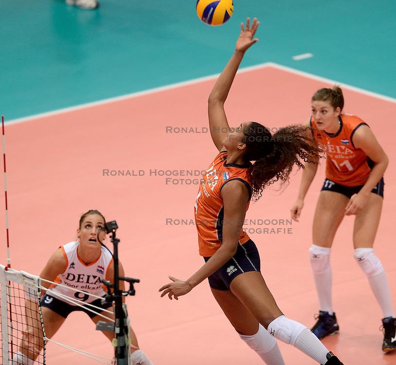 23-09-2014 ITA: World Championship Nederland - Kazachstan, Verona<br /> Nederland wint de opening wedstrijd met 3-0 / Celeste Plak