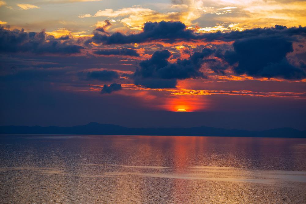 South America, Peru, Lake Titicaca, Suasi Island, sunset