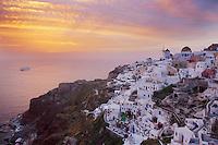 Grece, les Cyclades, Iles Egéennes,  Ile de Santorin (Thira), village de Oia (Ia), moulin // Greece, Cyclades, Santorini island, oia (Ia) village, windmill