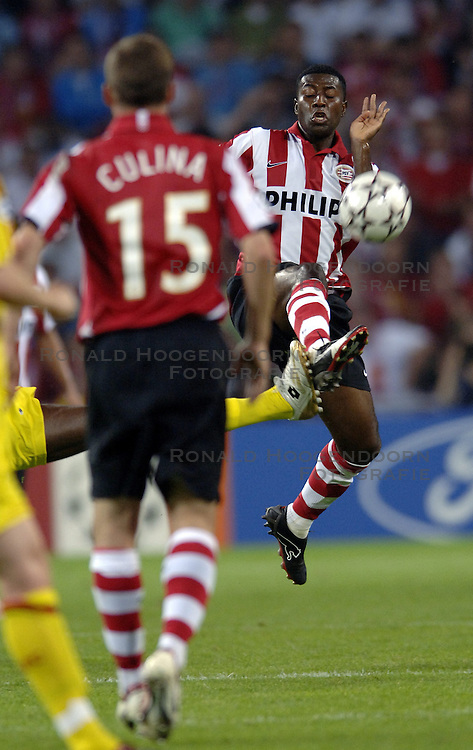 12-09-2006 VOETBAL: CHAMPIONS LEAGUE: PSV - LIVERPOOL: EINDHOVEN<br /> PSV en Liverpool eindigt zoals ze begonnen zijn 0-0 / Jermaine Pennant<br /> &copy;2006-WWW.FOTOHOOGENDOORN.NL