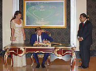"""CATHERINE, DUCHESS OF CAMBRIDGE AND PRINCE WILLIAM.attend and Official Dinner a the Istana Negara, (Royal Palace) hosted by HM The King and HM The Queen of Malaysia_13/09/2012.Mandatory credit photo: ©Pool/DIASIMAGES..NO UK USE FOR 28 DAYS..                **ALL FEES PAYABLE TO: """"NEWSPIX INTERNATIONAL""""**..IMMEDIATE CONFIRMATION OF USAGE REQUIRED:.DiasImages, 31a Chinnery Hill, Bishop's Stortford, ENGLAND CM23 3PS.Tel:+441279 324672  ; Fax: +441279656877.Mobile:  07775681153.e-mail: info@newspixinternational.co.uk"""