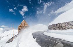 THEMENBILD - das Fuscher Törl bei Wind und Sonnenschein. Die Grossglockner Hochalpenstrasse verbindet die beiden Bundeslaender Salzburg und Kaernten mit einer Laenge von 48 Kilometer und ist als Erlebnisstrasse vorrangig von touristischer Bedeutung, aufgenommen am 2. Mai 2017, Fusch a. d. Glocknerstrasse, Oesterreich // the Fuscher Toerl in wind and sunshine. The Grossglockner High Alpine Road connects the two provinces of Salzburg and Carinthia with a length of 48 km and is as an adventure road priority of tourist interest at Fusch a. d. Glocknerstrasse, Austria on 2017/05/02. EXPA Pictures © 2017, PhotoCredit: EXPA/ JFK