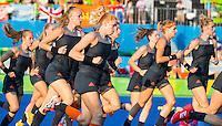 IO DE JANEIRO -  warming up voor  de finale tussen de dames van Nederland en  Groot-Brittannie in het Olympic Hockey Center tijdens de Olympische Spelen in Rio. COPYRIGHT KOEN SUYK