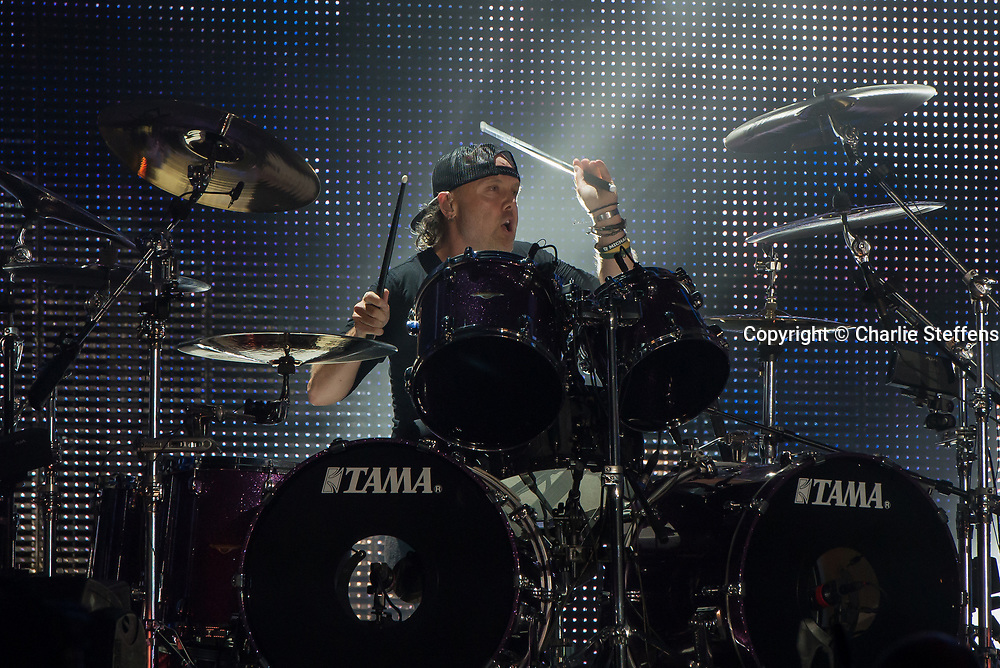 Lars Ulrich of Metallica performs at the Rose Bowl in Pasadena , California on July 29, 2017 (Photo: Charlie Steffens/Gnarlyfotos)