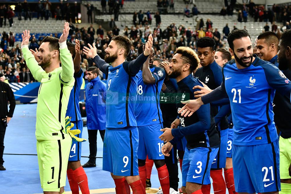October 10, 2017 - St Denis, France - Clapping des joueurs avec le public (Credit Image: © Panoramic via ZUMA Press)