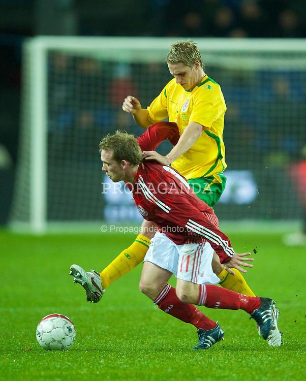 COPENHAGEN, DENMARK - Wednesday, November 19, 2008: Wales' David Edwards and Denmark's Michael Krohn-Dehli during the international friendly match at the Brøndby Stadium. (Photo by David Rawcliffe/Propaganda)