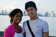 El Causeway de Amador o Calzada de Amador, ubicado a un lado del Canal de Panamá es un lugar turístico en donde la gente va a caminar, pasear en bicicleta, motos, patines y también puede pescar, además puede visitar las diferentes discotecas, restaurantes..Foto: Ramon Lepage / Istmophoto.