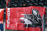 Champions League 23.11.05, Rosenborg - Olympiakos              <br /> Illustration, Olympiakos banner, supporter<br /> Foto: Carl-Erik Eriksson, Digitalsport
