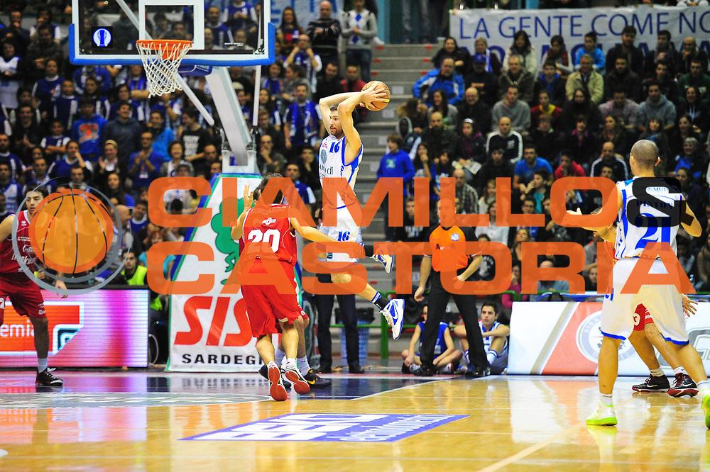 DESCRIZIONE : Sassari Lega A 2012-13 Dinamo Sassari - Trenkwalder Reggio Emilia<br /> GIOCATORE :Drake Diener<br /> CATEGORIA :Passaggio<br /> SQUADRA : Dinamo Sassari<br /> EVENTO : Campionato Lega A 2012-2013 <br /> GARA : Dinamo Sassari - Trenkwalder Reggio Emilia<br /> DATA : 09/12/2012<br /> SPORT : Pallacanestro <br /> AUTORE : Agenzia Ciamillo-Castoria/M.Turrini<br /> Galleria : Lega Basket A 2012-2013  <br /> Fotonotizia : Sassari Lega A 2012-13 Dinamo Sassari - Trenkwalder Reggio Emilia<br /> Predefinita :
