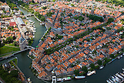 Nederland, Noord-Holland, Enkhuizen, 14-07-2008; historische binnenstad met 'de Drommedaris', onderdeel van de voormalige stadsmuur; West-Friesland, toeristisch centrum, grachten, Zuiderzee, terras, stadje, Dromedaris. .luchtfoto (toeslag); aerial photo (additional fee required); .foto Siebe Swart / photo Siebe Swart