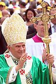 Papa Benedetto XVI, nato Joseph Alois Ratzinger a San Giovanni Rotondo