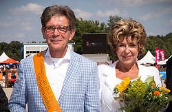 Klaver Cees and Roos<br /> Huldiging Fokker vh jaar Springen<br /> KWPN Paardendagen Ermelo 2013<br /> © Dirk Caremans