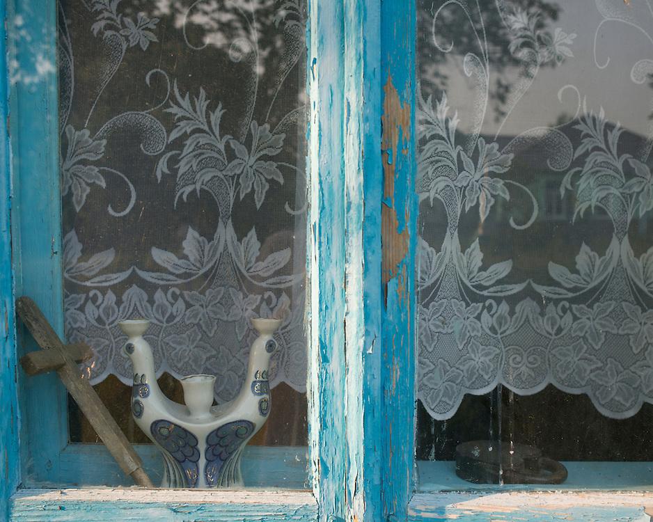 La très grande majorité des citoyens moldaves est chrétienne orthodoxe. Les signes religieux sont présents dans les les maisons.