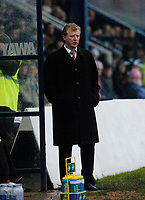 Photo: Leigh Quinnell.<br /> Nuneaton Borough v Middlesbrough. The FA Cup.<br /> 07/01/2006. Middlesbrough boss Steve McClaren has a tuff time away at Nuneaton.
