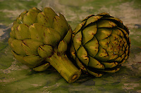 Artichokes, pair with basket