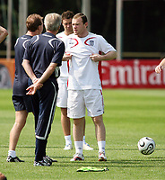 Photo: Chris Ratcliffe.<br />England Training Session. FIFA World Cup 2006. 29/06/2006.<br />Wayne Rooney and Sven Goran Eriksson in training.