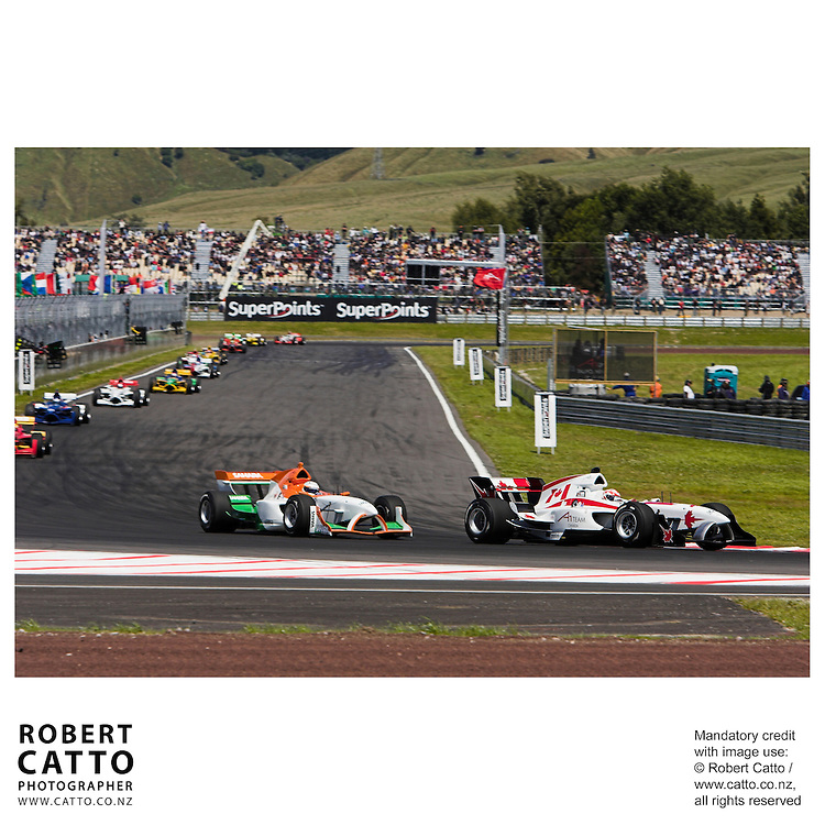 James Hinchcliffe;Narain Karthikeyan at the A1 Grand Prix of New Zealand at the Taupo Motorsport Park, Taupo, New Zealand.