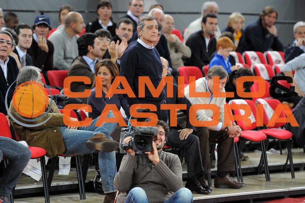 DESCRIZIONE : Roma Lega A 2009-10 Lottomatica Roma Angelico Biella<br /> GIOCATORE : Claudio Toti<br /> SQUADRA : Lottomatica Roma<br /> EVENTO : Campionato Lega A 2009-2010 <br /> GARA : Lottomatica Roma Angelico Biella<br /> DATA : 08/11/2009<br /> CATEGORIA : Ritratto<br /> SPORT : Pallacanestro <br /> AUTORE : Agenzia Ciamillo-Castoria/G.Ciamillo<br /> Galleria : Lega Basket A 2009-2010 <br /> Fotonotizia : Roma Campionato Italiano Lega A 2009-10 Lottomatica Roma Angelico Biella<br /> Predefinita :