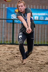 Serena van der Made in action. From July 1, competition in the Netherlands may be played again for the first time since the start of the corona pandemic. Nevobo and Sportworx, the organizer of the DELA Eredivisie Beach volleyball, are taking this opportunity with both hands. At sunrise, Wednesday exactly at 5.24 a.m., the first whistle will sound for the DELA Eredivisie opening tournament in Zaandam on 1 July 2020 in Zaandam.