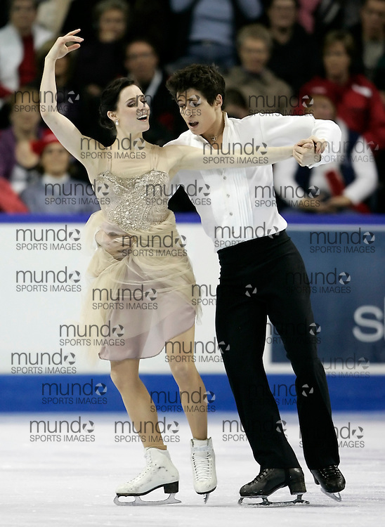 London, Ontario ---10-01-16---  Tessa Virtue and Scott Moir skate their free dance at the 2010 BMO Canadian Figure Skating Championships in London, Ontario, January 16, 2010. .GEOFF ROBINS/Mundo Sport Images..
