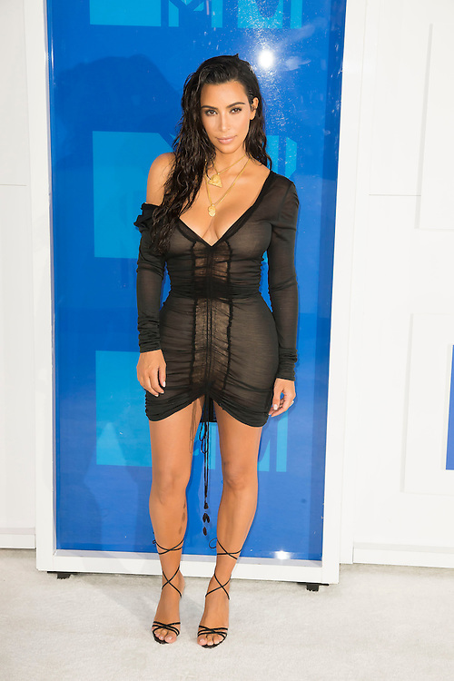 Kim Kardashian arrives at the 2016 MTV Video Music Awards at Madison Square Gardens on August 28, 2016 in New York City