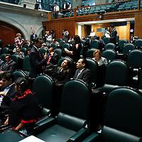 TOLUCA, México.- Durante la sesión del Pleno de la LVII Legislatura en donde diputados del PRD y PAN acordaron seguir trabajando juntos, en la legislatura local, a pesar de que ya no habrá coalición electoral entre estos dos partidos. Agencia MVT / Crisanta Espinosa. (DIGITAL)