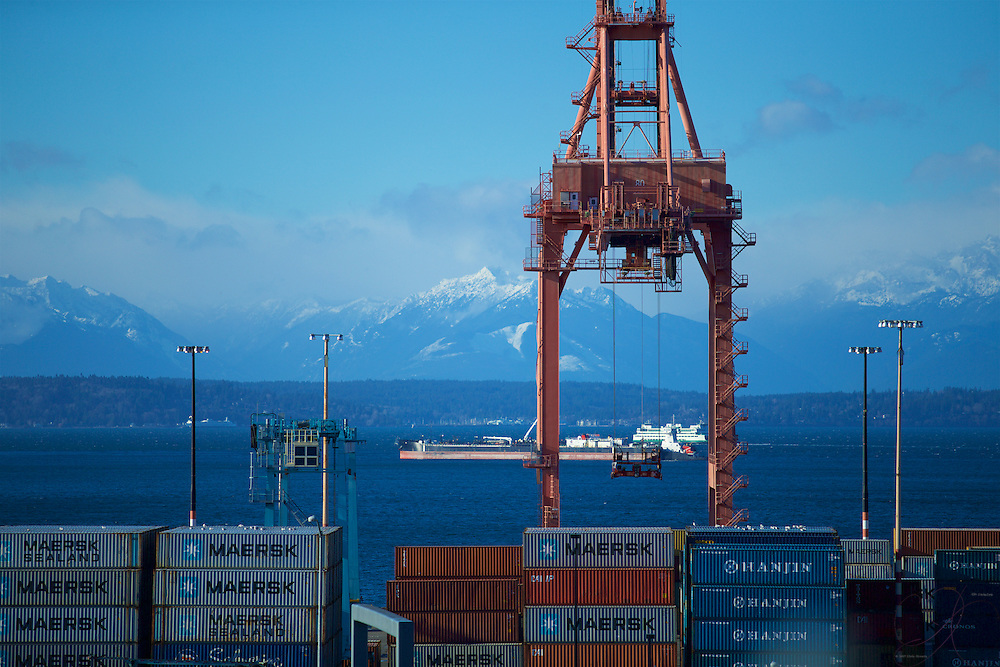 One of the top 5 largest ports in the U.S., the Port of Seattle (along with the Port of Tacoma) make up a major western gateway for international trade...and perhaps the only port with such an amazing landscape to frame it.