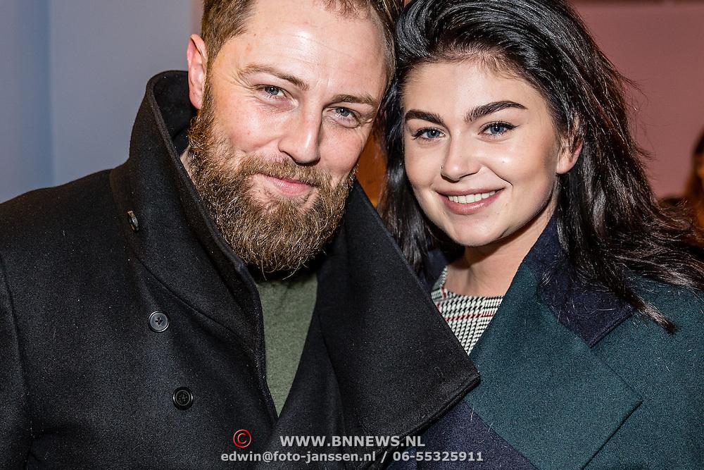 """NLD/Haarlem/20170202 -  Premiere Jeroen van der Boom's show """"Dit ben ik"""", Roxeanne Hazes en partner Erik Zwennes"""