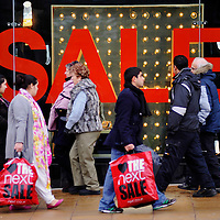 26-12-09 Boxing Day Sales