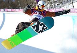 08-02-2014 SNOWBOARDEN: OLYMPIC GAMES: SOTSJI<br /> Training Halfpipe /  Dimi de Jong<br /> ©2014-FotoHoogendoorn.nl<br />  / Sportida