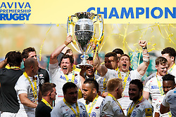 Saracens Full Back Alex Goode and Winger David Strettle lift the Aviva Premiership trophy - Photo mandatory by-line: Rogan Thomson/JMP - 07966 386802 - 30/05/2015 - SPORT - RUGBY UNION - London, England - Twickenham Stadium - Bath Rugby v Saracens - 2015 Aviva Premiership Final.