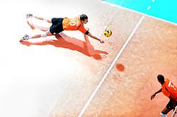 08-06-2013 VOLLEYBAL: WORLD LEAGUE NEDERLANDS - JAPAN: APELDOORN<br /> Nederland wint met 3-1 van Japan / Jeroen Rauwerdink<br /> &copy;2013-FotoHoogendoorn.nl