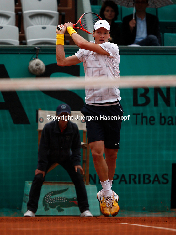 French Open 2010, Roland Garros, Paris, Frankreich,Sport, Tennis, ITF Grand Slam Tournament, ..Tomas Berdych (CZE)..Foto: Juergen Hasenkopf..