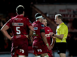 Referee Wayne Barnes talks to Scarlets' Ken Owens<br /> <br /> Photographer Simon King/Replay Images<br /> <br /> European Rugby Champions Cup Round 6 - Scarlets v Toulon - Saturday 20th January 2018 - Parc Y Scarlets - Llanelli<br /> <br /> World Copyright © Replay Images . All rights reserved. info@replayimages.co.uk - http://replayimages.co.uk