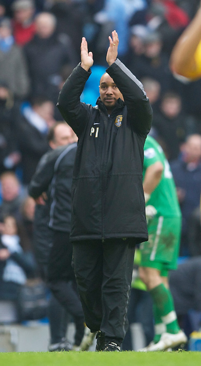 MANCHESTER, ENGLAND - Sunday, February 20, 2011: Notts County's manager Paul Ince applauds the travelling supporters after his side's 5-0 defeat by Manchester City during the FA Cup 4th Round Replay match at the City of Manchester Stadium. (Photo by David Rawcliffe/Propaganda)