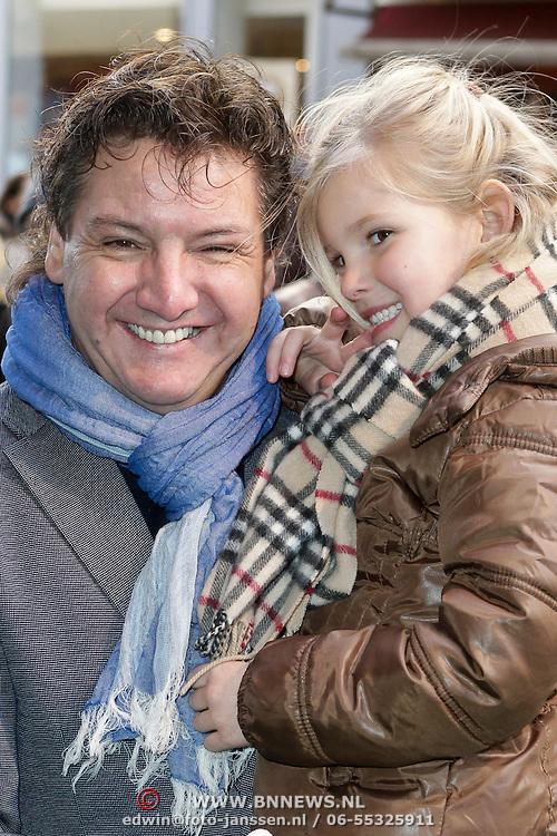 NLD/Amsterdam/20120219 - Premiere Sprookjesboom de Film, Rene Froger en kleindochter Charlie
