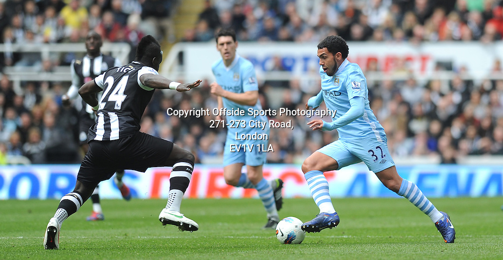 06/05/2012 - Barclays Premier League Football - 2011-2012 - Newcastle United v Manchester City - Carlos Tevez attacks for City. - Photo: Charlie Crowhurst / Offside.
