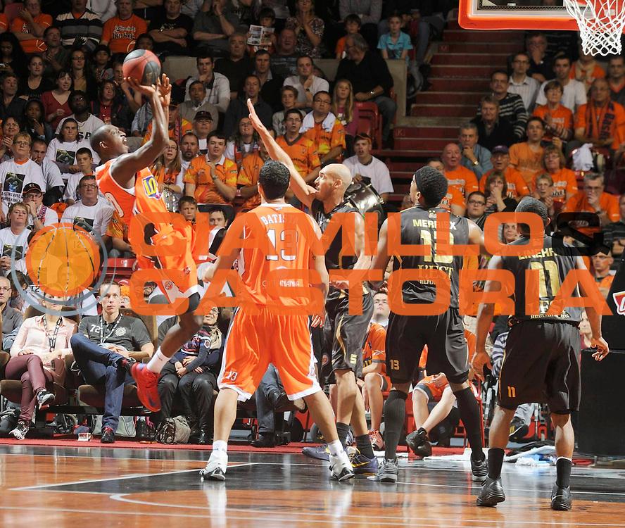 DESCRIZIONE : Championnat de France Pro a Antares Le Mans<br /> GIOCATORE : Sy Pape<br /> SQUADRA : Le Mans<br /> EVENTO : Pro A <br /> GARA : Le Mans Nancy<br /> DATA : 08/10/2012<br /> CATEGORIA : Basketball France Homme<br /> SPORT : Basketball<br /> AUTORE : JF Molliere<br /> Galleria : France Basket 2012-2013 Action<br /> Fotonotizia : Championnat de France Basket Pro A<br /> Predefinita :