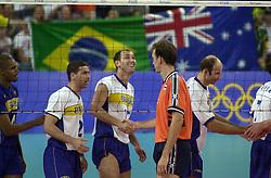 21-09-2000 AUS: Olympic Games Volleybal Nederland - Brazilie, Sydney<br /> Nederland verliest met 3-0 van Brazilie / Nalbert Bitencourt, Peter Blange