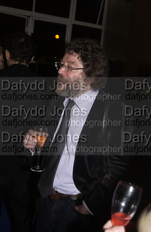 Craig Raine. party for Anthony Lane's book hosted  given by David Remnick, editor of the New Yorker. River Cafe. 12 November 2002.  © Copyright Photograph by Dafydd Jones 66 Stockwell Park Rd. London SW9 0DA Tel 020 7733 0108 www.dafjones.com