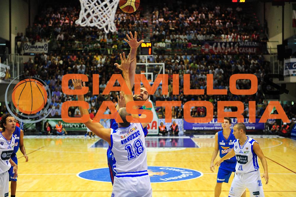 DESCRIZIONE : SASSARI LEGA A 2011-12 DINAMO SASSARI - CASALE MONFERRATO<br /> GIOCATORE : DAVID CHIOTTI<br /> SQUADRA : DINAMO SASSARI - CASALE MONFERRATO<br /> EVENTO : CAMPIONATO LEGA A 2011-2012 <br /> GARA : DINAMO SASSARI - SQUADRA AVVERSARIA<br /> DATA :09/10/2011<br /> CATEGORIA : TIRO<br /> SPORT : Pallacanestro <br /> AUTORE : Agenzia Ciamillo-Castoria/M.Turrini<br /> Galleria : Lega Basket A 2011-2012  <br /> Fotonotizia : SASSARI LEGA A 2011-12 DINAMO SASSARI - CASALE MONFERRATO<br /> Predefinita :