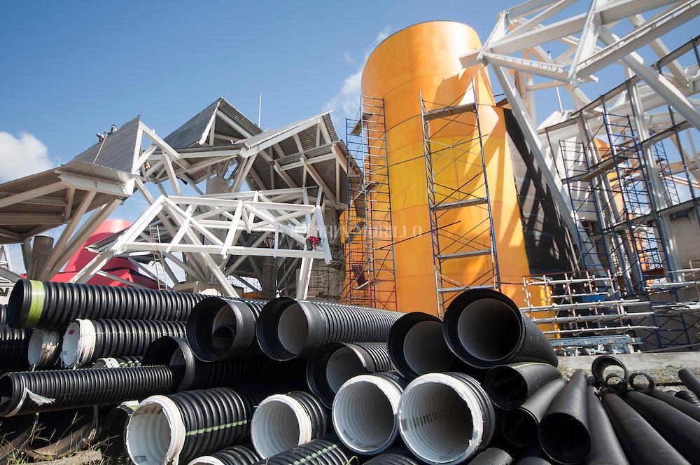 Construccion del Biomuseo de Panama. Primer edificio dise&ntilde;ado por Frank Gehry en America Latina. Panama, <br /> 13 de enero de 2012. (Victoria  Murillo/ Istmophoto)