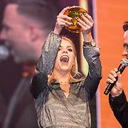 NLD/Amsterdam/20190208- 100% NL Awards  2019, Davina Michelle wint de award Talent van het jaar