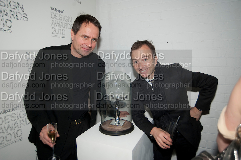 NIELA ERIK LUND; TONY CHAMBERS, Wallpaper* Design Awards. Wilkinson Gallery, 50-58 Vyner Street, London E2, 14 January 2010 *** Local Caption *** -DO NOT ARCHIVE-© Copyright Photograph by Dafydd Jones. 248 Clapham Rd. London SW9 0PZ. Tel 0207 820 0771. www.dafjones.com.<br /> NIELA ERIK LUND; TONY CHAMBERS, Wallpaper* Design Awards. Wilkinson Gallery, 50-58 Vyner Street, London E2, 14 January 2010
