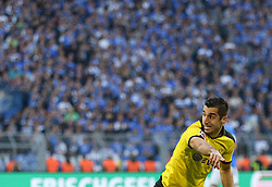 "27.09.2015, Signal Iduna Park, Dortmund, GER, 1. FBL, Borussia Dortmund vs SV Darmstadt 98, 7. Runde, im Bild Henrikh ""Micki"" Mkhihtaryan (Borussia Dortmund #10) // during the German Bundesliga 7th round match between Borussia Dortmund and SV Darmstadt 98 at the Signal Iduna Park in Dortmund, Germany on 2015/09/27. EXPA Pictures © 2015, PhotoCredit: EXPA/ Eibner-Pressefoto/ Schueler<br /> <br /> *****ATTENTION - OUT of GER*****"
