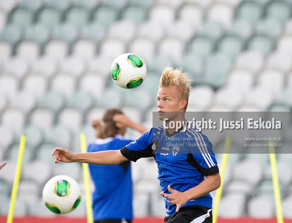 Joel Pohjanpalo. A-maajoukkueen harjoitukset, Veritas Stadion, Turku 13.8.2013. Photo: Jussi Eskola
